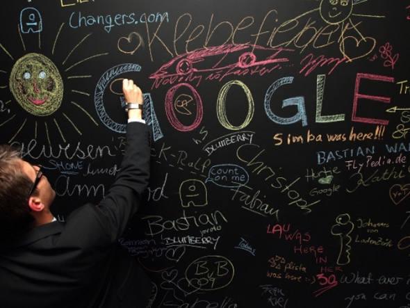 Google inicia produção de relógio inteligente