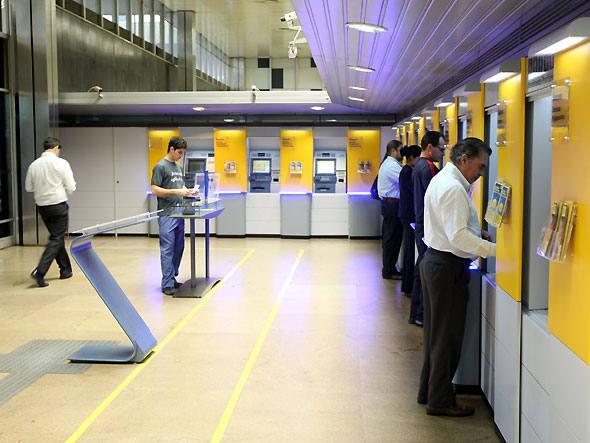 Banco do Brasil lança caixa eletrônico futurista