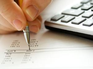 Endividamento de famílias é recorde para dezembro, diz CNC