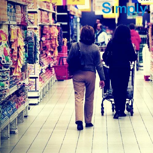 Intenção de consumo das famílias cai 4,8% em junho, aponta CNC